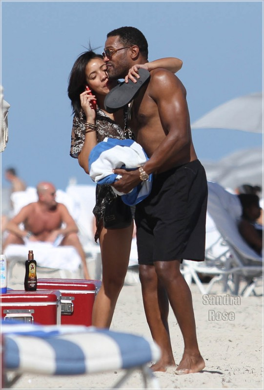 Maxwell-and-Julissa-on-beach-SPL