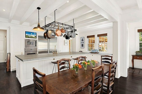 the-eat-in-kitchen-has-a-central-island-and-all-the-latest-appliances