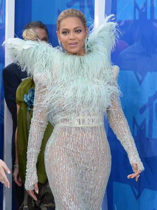 Beyonce VMAs 2016_AP Images