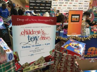 2016-childrens-toy-drive-10