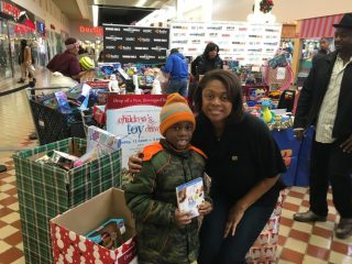 2016-childrens-toy-drive-13