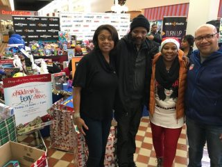 2016-childrens-toy-drive-14