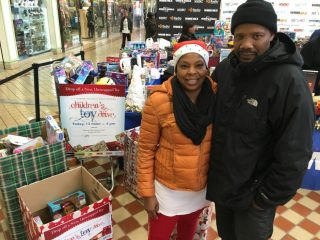 2016-childrens-toy-drive-16