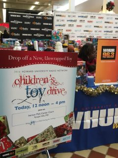 2016-childrens-toy-drive-17