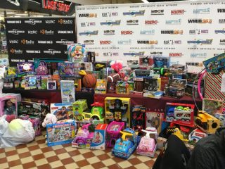 2016-childrens-toy-drive-18