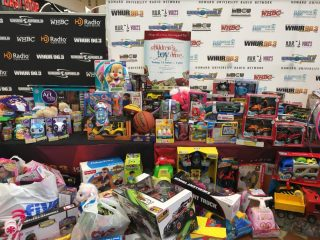 2016-childrens-toy-drive-2