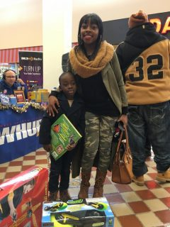 2016-childrens-toy-drive-9