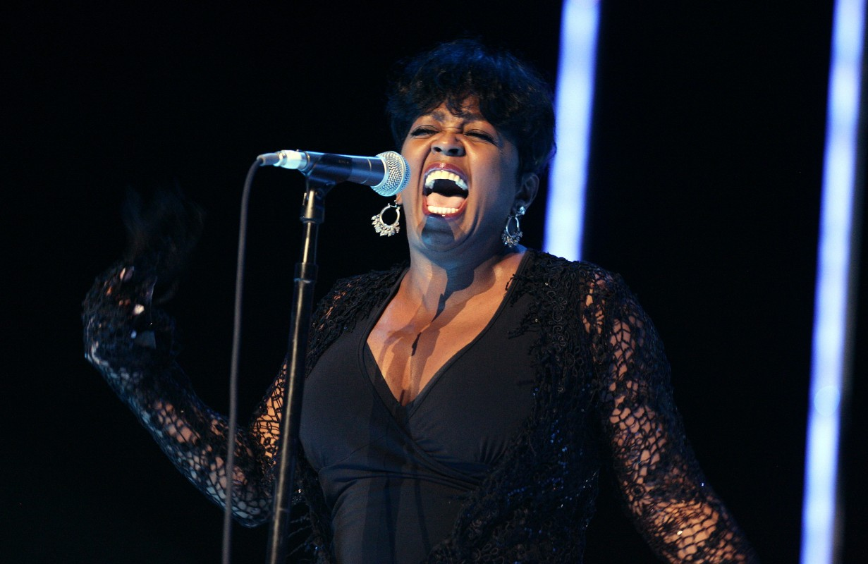 Anita Baker Announces She S Retired From Music